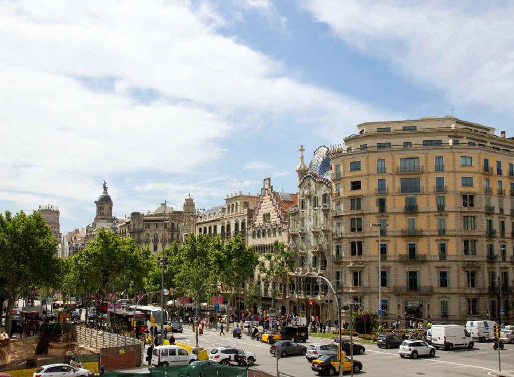 Luxury Real Estate Barcelona City Modernist Flat For